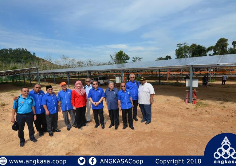 Lawatan ADUN Sg. Tiang ke solar farm ANGKASA