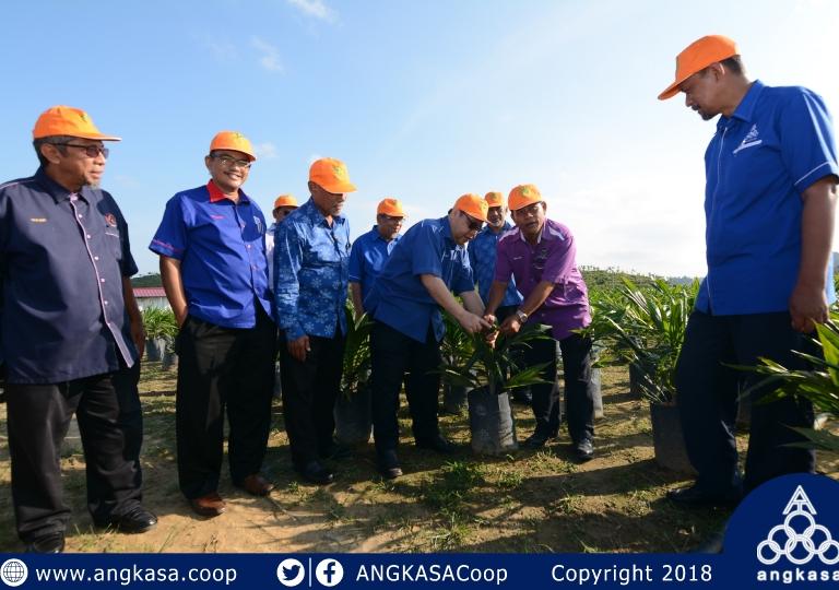 Majlis Taklimat dan Lawatan Tapak Semaian Sawit Koperasi Peserta-Peserta FELCRA Gugusan Limau Nipis Merchang Terengganu Berhad